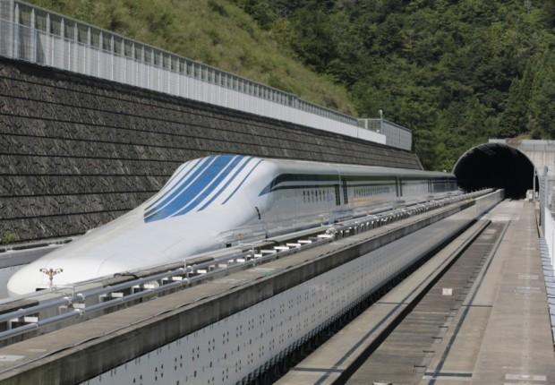 japan-maglev-schnellzug-magnetschwebegabn-hochgeschwindigkeitszug
