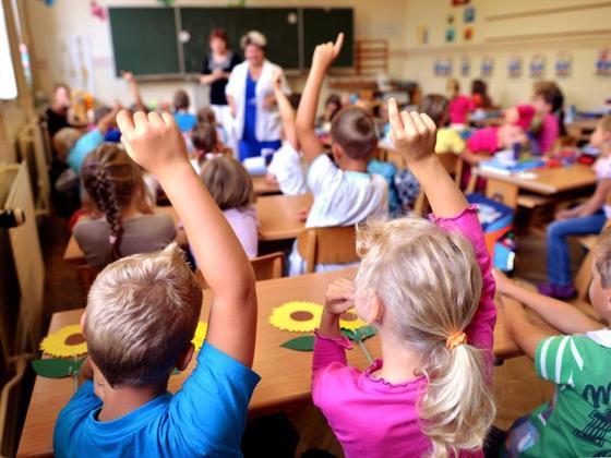 Schulen-Ein-Zeugnis-fuer-die-eigene-Schule1_image_630_420f